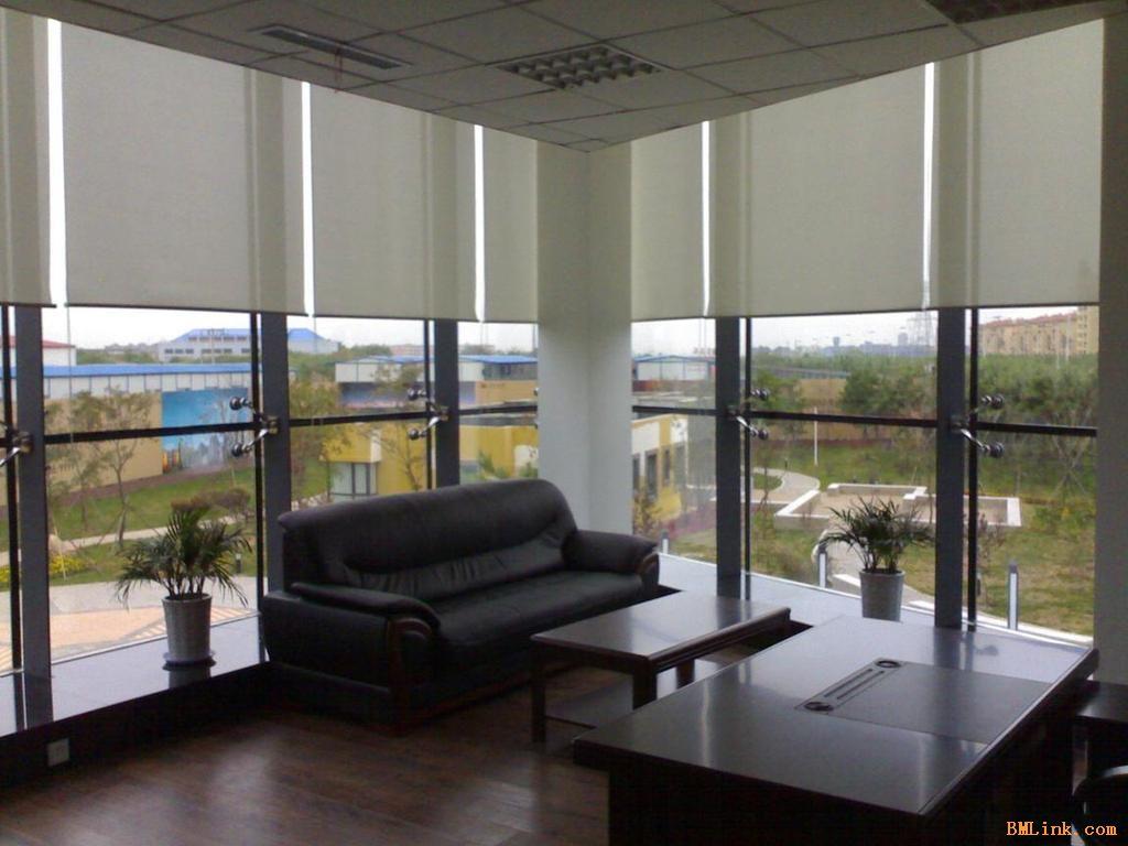 宦溪产业园附近  办公室遮阳窗帘+地毯推荐找通亮